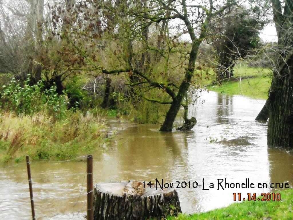 La-Rhonelle-en-crue-1