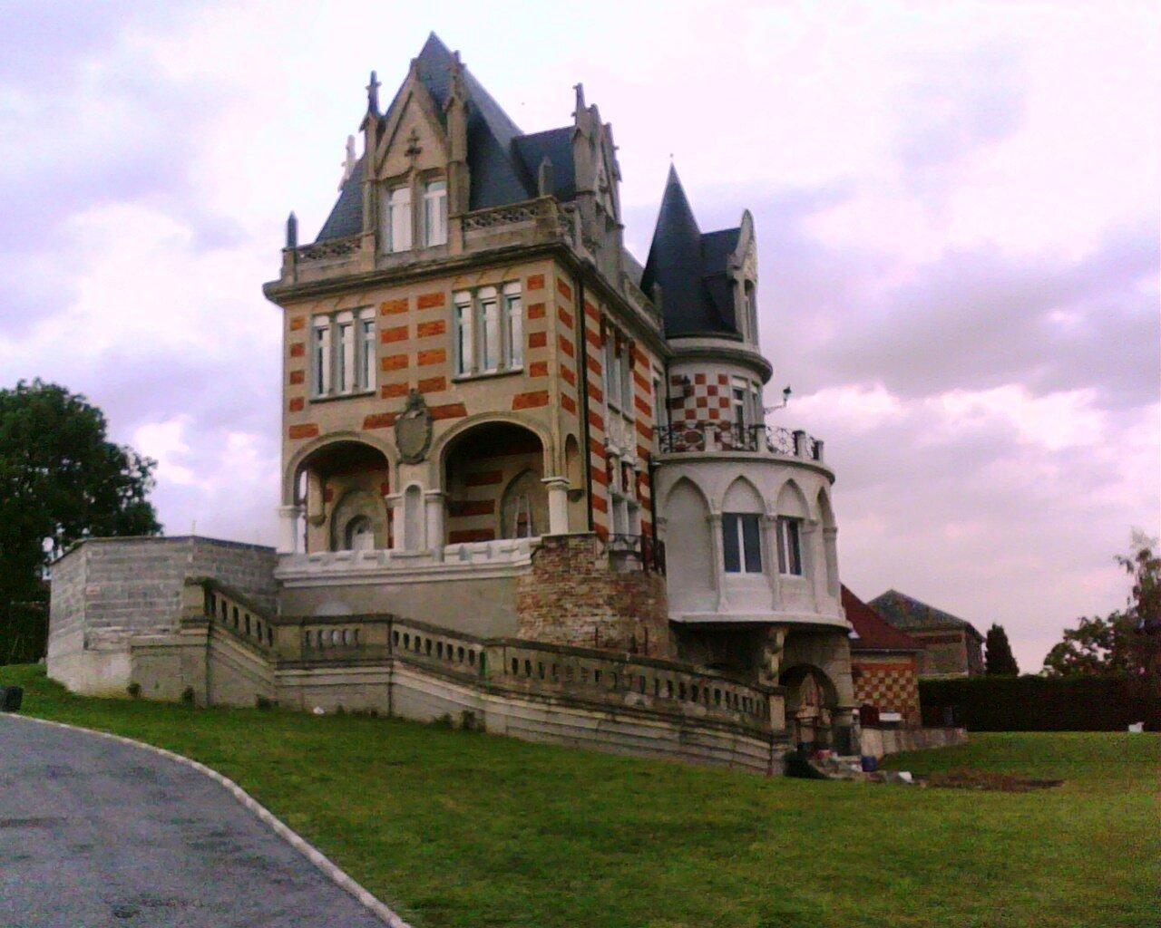 Famars-2010-Chateau-Harignies