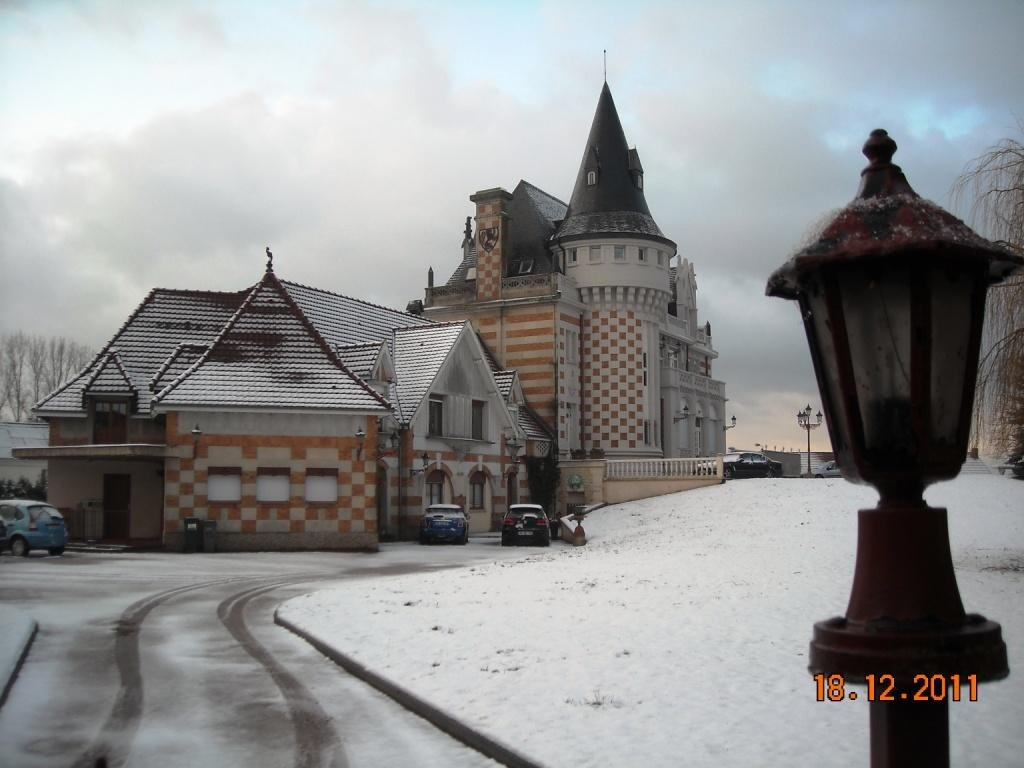 chateau a vendre famars