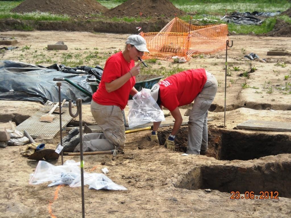 Portes-ouvertes-fouilles-technopole-23-juin-2012-017