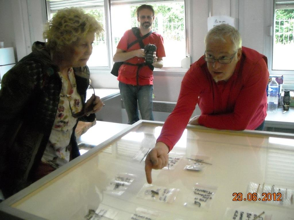 Portes-ouvertes-fouilles-technopole-23-juin-2012-accueil-des-visiteurs