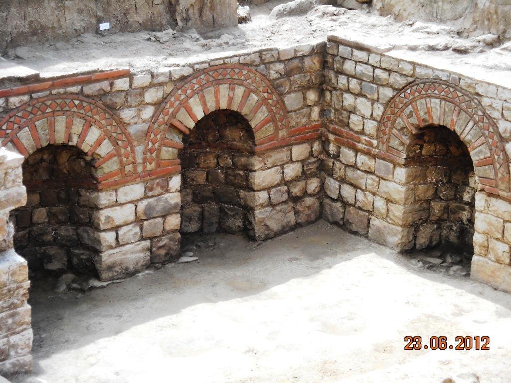 Sous-sol-villa-Gallo-romaine-Portes-ouvertes-fouilles-technopole-23-juin-2012